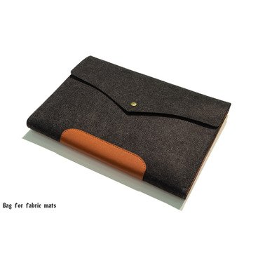 Felt bag for fabric mats